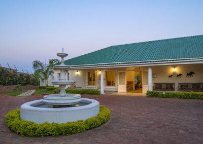 Batonka Guest Lodge, Vic Falls 2